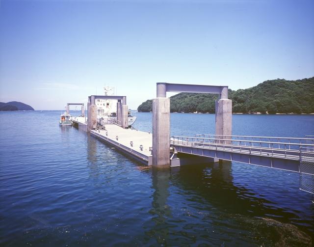 鳥羽商船浮桟橋整備工事
