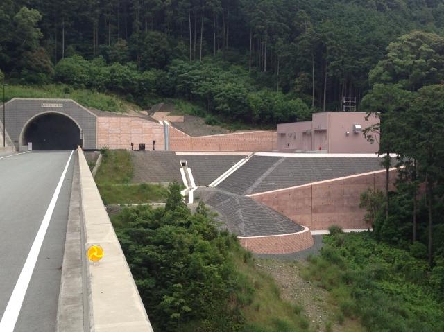 一般国道167号(第二伊勢道路)国補道路改良(電気室造成工)工事